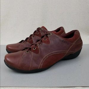 Taos Speed Lacer Burgundy Leather Lace Up Shoes